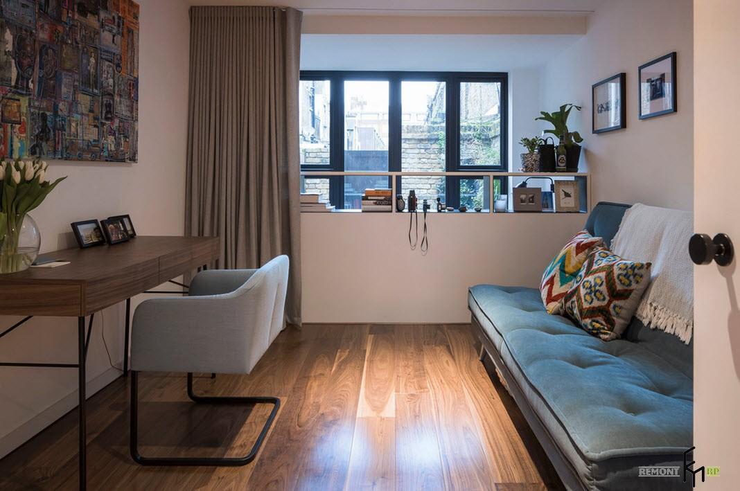 Утная комната с ламинатным полом