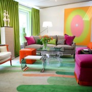 Яркий интерьер гостиной