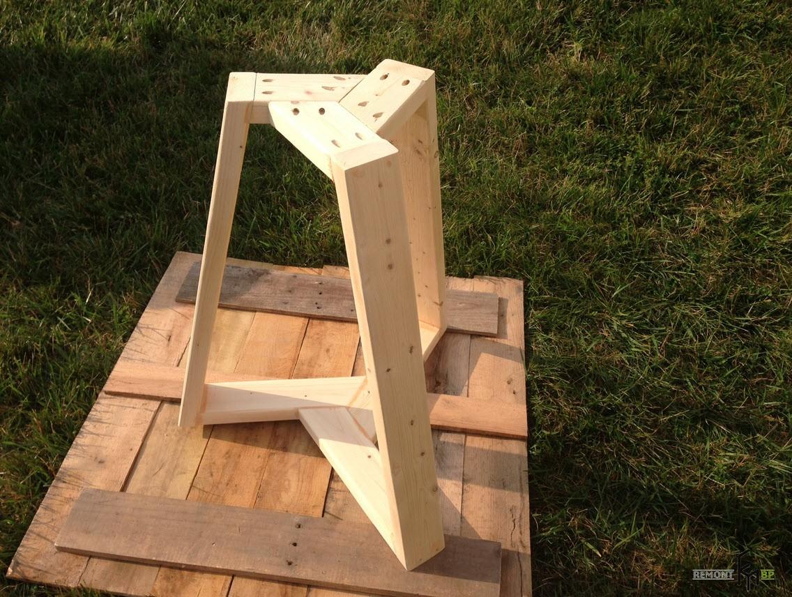 Первый шаг пятого этапа изготовления стола